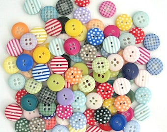 50 Assorted Colour Sewing Buttons for Scrapbooking Christmas Crafting Quilting Kids Crafts Handmade Cards Junk Journals Mixed Button Pack