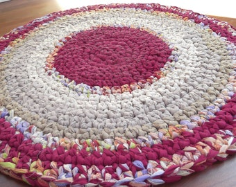 1 INCH THICK...   3 Foot Round...   Great Price..... Must See....  Fushia and Tans Vintage Syle Rag Rug...