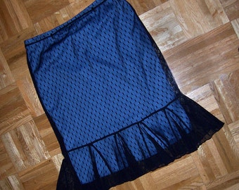 80s slim straight net skirt w blue lining and fishtail flounce - M