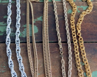 Vntage Lot 4 chunky style chains necklaces goldtone and silver tone