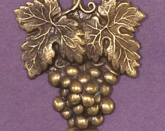 Cluster of Grapes Brooch Pin - Winery Jewelry - Grape Stomping - Vineyard Brooch