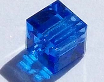 Swarovski Crystal Beads CUBE 5601 Swarovski elements beads SAPPHIRE - Available in 4mm, 6mm and 8mm