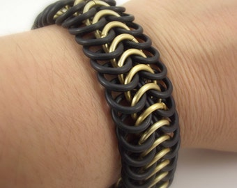 Gold Chainmail 6-in-1 European Weave Stretch Bracelet, Large Aluminum and Rubber Bracelet
