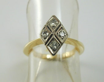 Diamond kite shape ring antique Art Deco 18 ct gold size K 1/2 0.16 cts ca 1920
