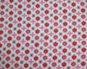 Fabric Traditions Pink & Magenta Flowers Fabric 245