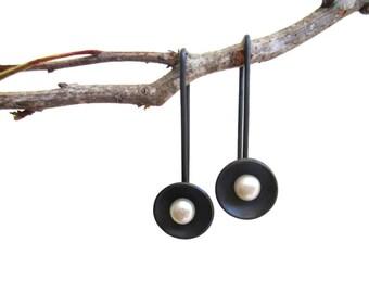Pearl Earrings - Oxidized Silver Pearl Earrings - Elegant Earrings - Modern Dangle Earrings - Black Pearl Earrings - Contemporary Earrings
