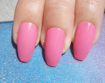 pink glossy coffin nails bride bridesmaid wedding pastel goth christmas new year eve ballerina false fake nail bachelorette lasoffittadiste