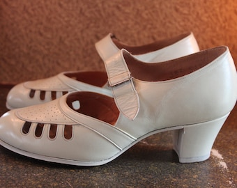 RESERVED to Jaqui / 1920/30s wedding pumps size UK 3.5 F