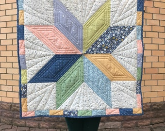 Big Star Baby Quilt / Crib Quilt / Gender Nutral baby gift