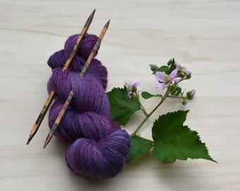 Lacegarn, knitted yarn, purple, blackberry, yarn, lace, wool, silk, einfädig, merino