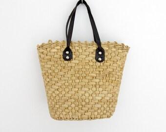 Vintage tote // woven straw market handbag