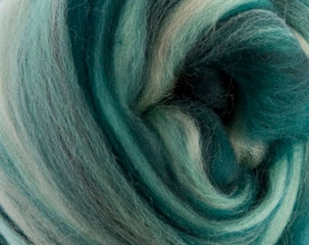 4 oz of DHG Mojito Merino Combed Top (roving).  Great for Spinning and Felting