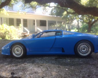 Vintage 1991 Bugatti EB 110 by Bburago 1/18 Die Cast Made in Italy