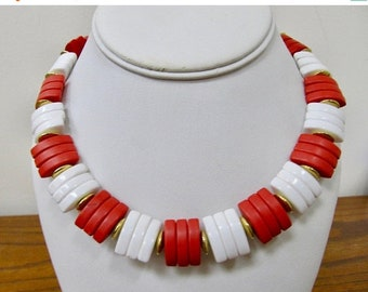 On Sale Retro Red and White Plastic Beaded Collar Necklace Item K # 569