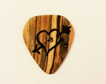 Personalized Heart Guitar Pick, Custom Wood Heart Guitar Plectrum, Wood Laser Burned Guitar Pick, Music Gift, Gift for Him, Valentine's gift