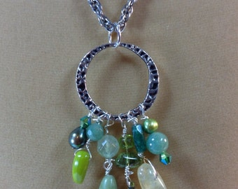 Green Semiprecious Stone Dangle Necklace