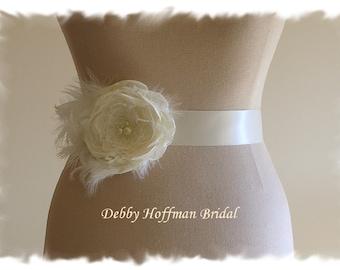 Flower Bridal Sash, Flower Wedding Sash, Flower Wedding Dress Sash, Flower Sash, Floral Bridal Wedding Sash with Feathers, No. 1012FPCFS