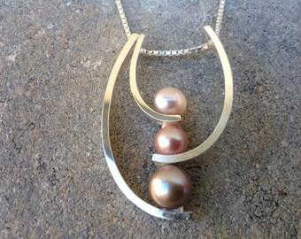 Modern tri-color pearl necklace, Pearl pendant, Pearl Necklace, Silver Necklace, Silver Pendant. Sterling Silver
