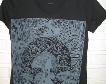 Black women T-shirt size M printed woodcut