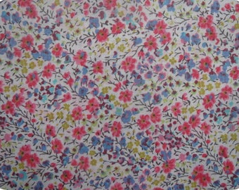 Fabric Liberty of London fabric Liberty Phoebe 50x67cm Coupon