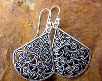 Nakoma earrings