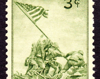 Five (5) vintage unused postage stamps - Raising the flag on Iwo Jima // 3 cent stamps // face value 0.15