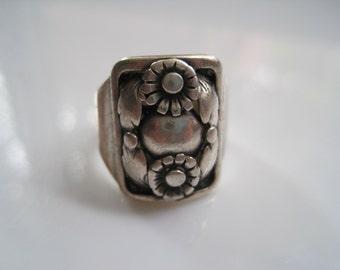 Danish Ring - Hugo Grun - Floral Ring - Size 6 3/4 - Denmark Jewelry - Scandinavian Jewelry - Ethnic