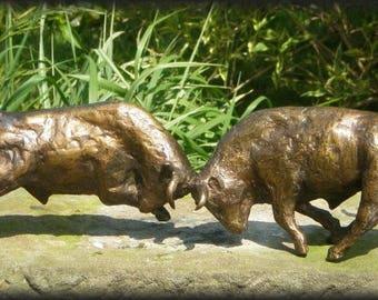 Bronze sculpture of Bull duel