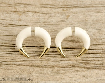 Fake Gauges Earrings Double Talon Pincher Earrings with Golden Tip Tribal Style White Bone Organic - FG077 BM