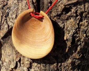 Simple juniper necklace
