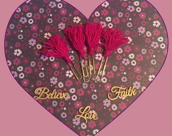 1 Small Pink and Shimmer Tassel