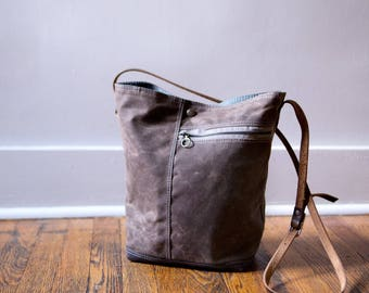Tote no. 2 in Brown waxed canvas