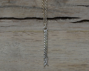 Twisted Bar Necklace