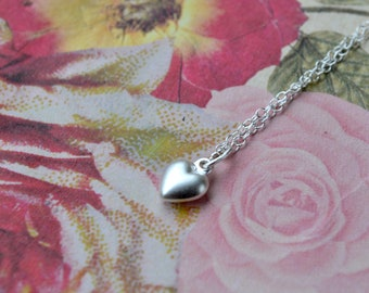 Silver Heart Necklace, Dainty Sterling Silver Pendant Necklace, Delicate Necklace Silver Heart Pendant, Simple Necklace UK, Wife Gift Fiance