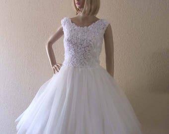 Vintage Inspired Wedding Dress. Knee Length.