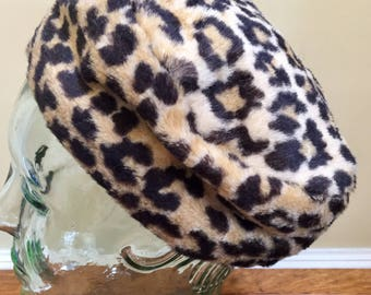 Faux Animal Print Mid Century Pill Box Hat, Jackie O Style, Cheetah Print, Leopard Print, Retro Chic, Mid Century, Estate Find, Winter Hat