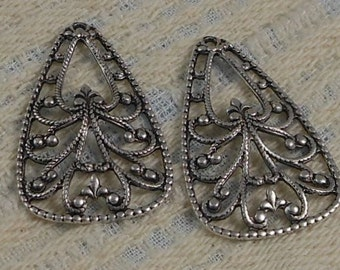 LuxeOrnaments Antique Sterling Silver Filigree Pendant (Qty 1) 33x19mm S-9123-S
