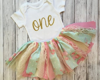 Birthday Outfit // Shabby Chic // Shabby Chic Outfit // Cake Smash Outfit // Baby Girl First Birthday // First Birthday Outfit