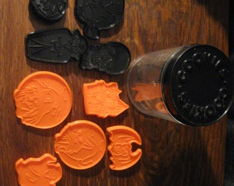 Vintage Gourmet's Choice Set of Nine Plastic Halloween Cookie Cutters With Original Container  Orange and Black Cookie Cutter Shapes
