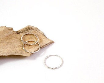 Basics - silver stackingring - pearl