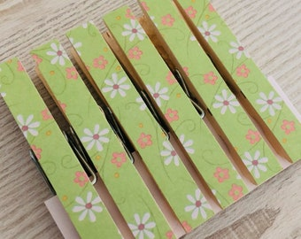 Magnetic Clothespin Pegs Magnets - Spring Green Daisy Floral - Fridge Magnet Set - Decorated Clothespins Peg