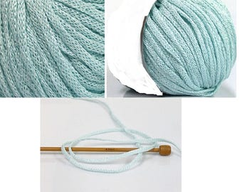 Set of 8 balls of yarn to knit
