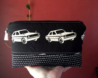Medium Padded Essential Oil Pouch- Classic Car Print- Fits 9 Bottles