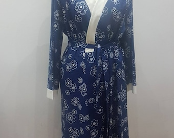 Nightgown chic vintage blue dress with flowers style kimono Hollywood diva wedding chic sexy actress