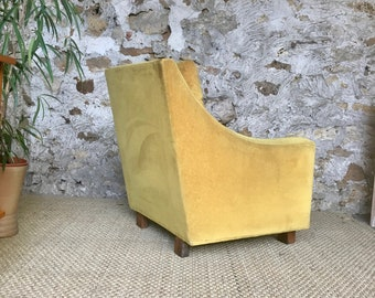 Vintage mustard yellow velvet Chair