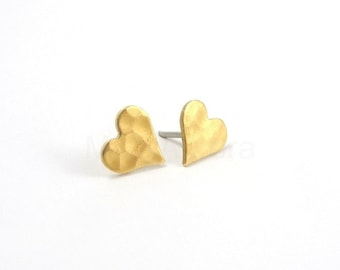 Heart Earring Studs, Hammered Heart Stud Earrings, Romantic Jewelry, Gold Heart Earrings, Heart Jewelry, Sterling Silver Hypoallergenic