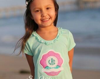 Clam shell shirt- Beach monogram shirt- Beach dress- Summer Vacation shirt- Girl's Beach Shirt- Sea Shell shirt- Birthday Beach shirt