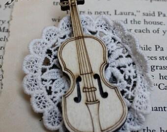 Elegant Violin Lolita Brooch