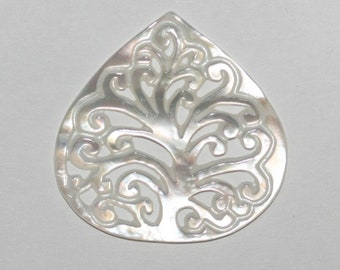 Carved MOP Pendant 30mm Mother Of  Pearl Nacre Wholesale
