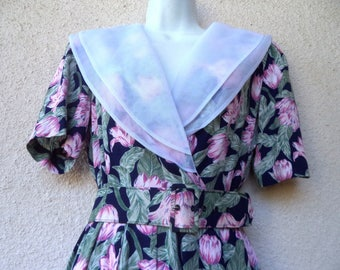 1940s Style DRESS. Floral Print Dress. Shawl Collar. WWII Look Dress. Belted Dress. 1980s Does 40s Dress. Day Dress. Garden Party Dress. M